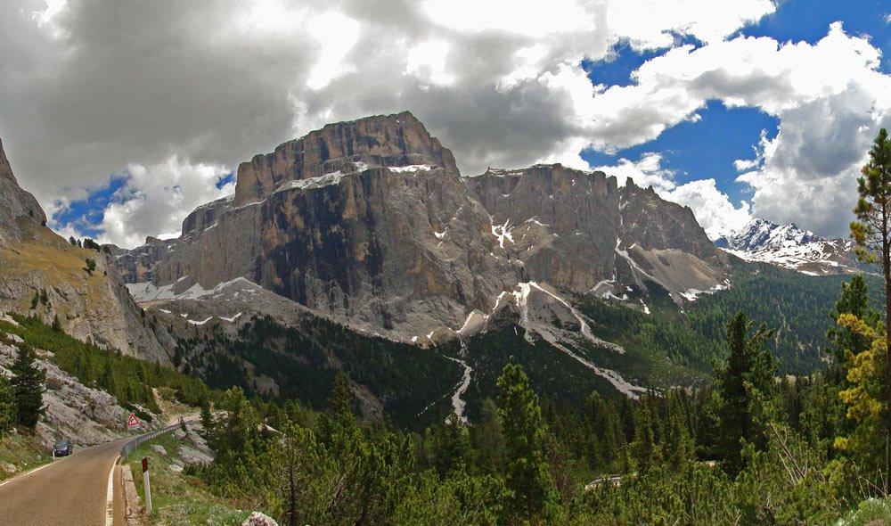 Welche Sehenswürdigkeiten bietet ein Motorrad-Urlaub in Südtirol?